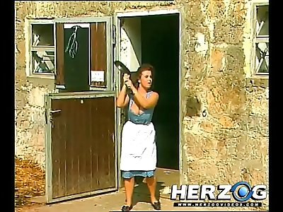 Filthy Heidi in the city
